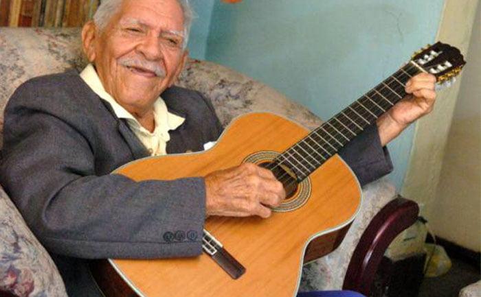 Carlos Rubira un ícono nacional