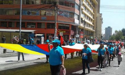 Comerciantes se movilizan en Quito