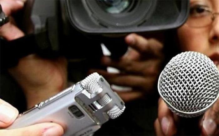 El periodista y los demás