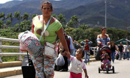 """La infame política migratoria de """"puertas cerradas""""."""