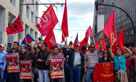 Octubre: la rebeldía y dignidad de los pueblos derrota al FMI y su gobierno