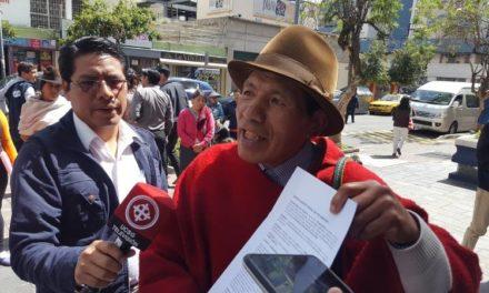 Líder indígena denuncia a Alberto Dahik .