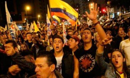 Quito libertario y rebelde, solidario y combatiente.