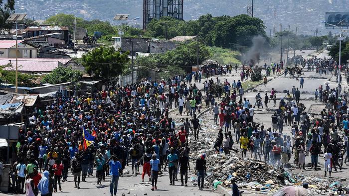 Saquen sus manos de Haití, países colonialistas e imperialistas