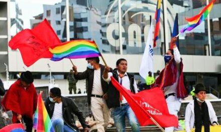 Los golpes de timón en la campaña electoral de Ecuador